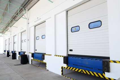Warehouse bay door